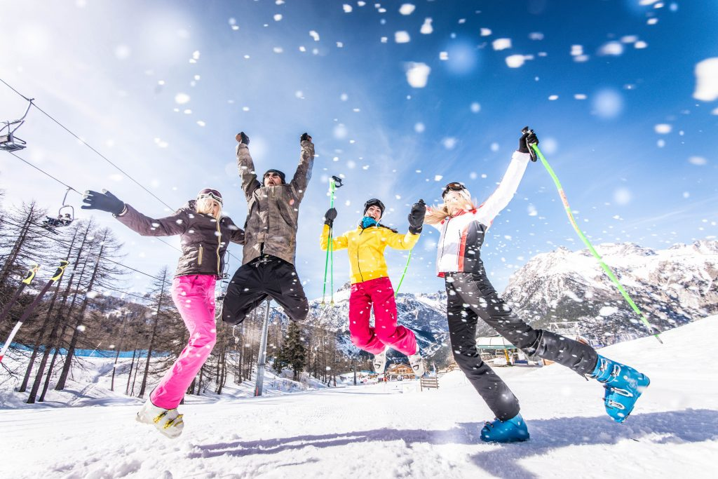 Defy the cold! Heated clothing for skiing and snow sports